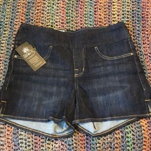 Rock and republic pull on shorts
